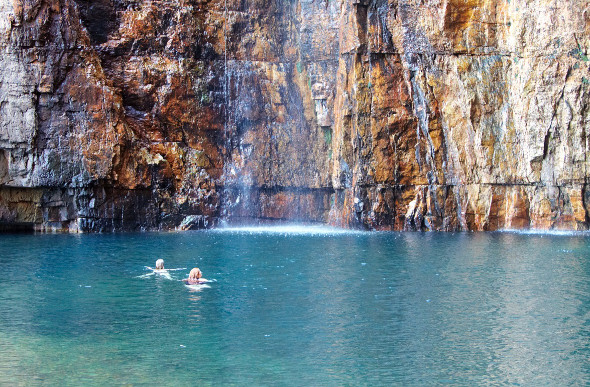 El Questro gorge with swimmers